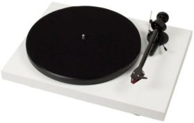 pro-ject-debut-carbon-review