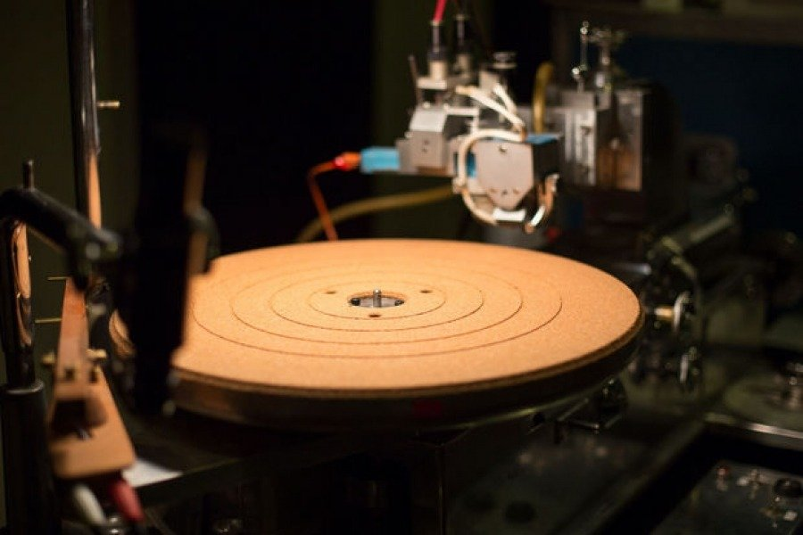 Does Vinyl Really Sounds Better ? The Engineers Explained