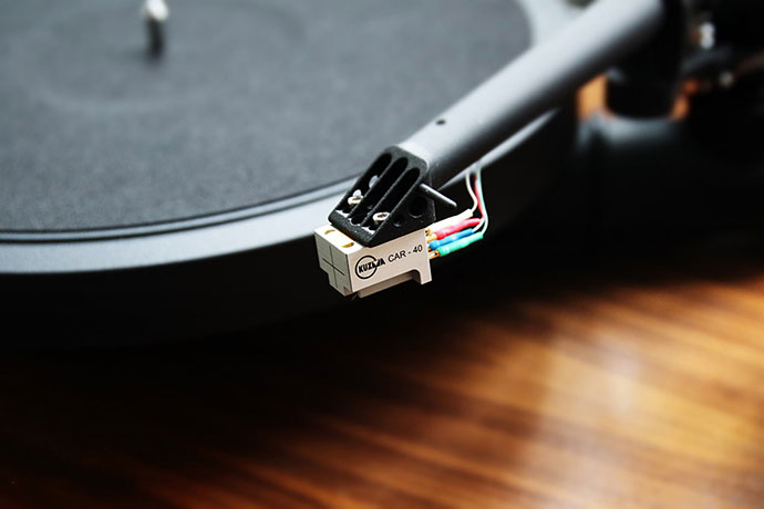 how-to-clean-turntable-stylus-1