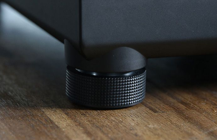 technics-sl-1210gr-anti-resonant-feet