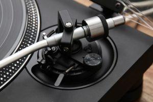 technics-sl-1210gr-tonearm