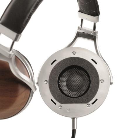 DENON-AH-D7200-hearing-test